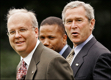 Rove and Bush leaving helicopter