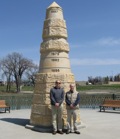 Grand Forks Floods monument